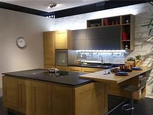 Dialogo veneta cucine in mostra da domus arredi for Pacchetto elettrodomestici veneta cucine