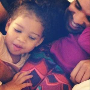 Awesome Pics of Drake Doing Adorable Things With Kids ...