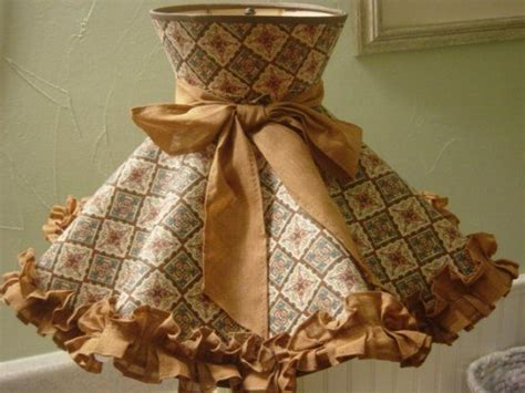 vintage early american  lamp shade ruffled lamps