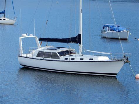 huon  pilothouse yacht  sale derwent boat sales