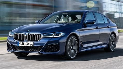 The 2021 bmw 5 series has kicked down the double doors and is now standing on the tables before us. 2021 BMW 5-Series Debuts With New Looks, More Tech