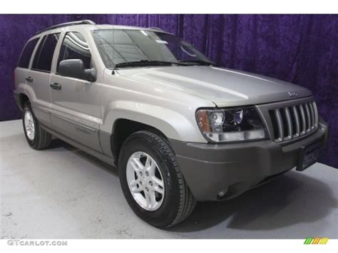 2004 bright silver metallic jeep grand laredo