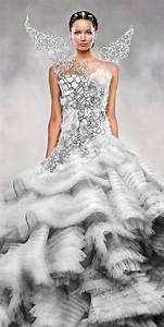 Jennifer lawrence katniss the hunger games catching for Katniss everdeen wedding dress