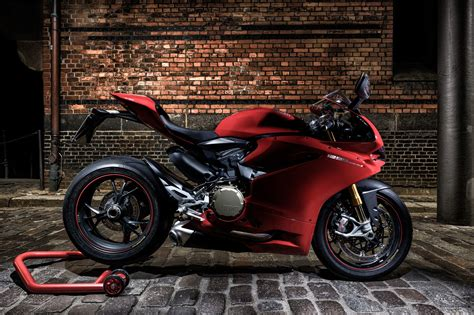 ducati panigale  red god  speed