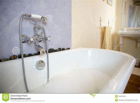 Alte Badewanne Mit Schaum Stockbilder  Bild 34041554