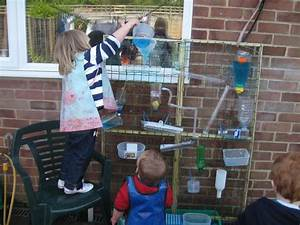 Wasserspiele Für Kinder : wasserspielwand f r kinder diy drau en pinterest kinder spiele und spiele mit wasser ~ Yasmunasinghe.com Haus und Dekorationen