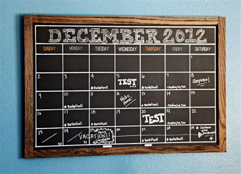chalkboard calendar  diys guide patterns