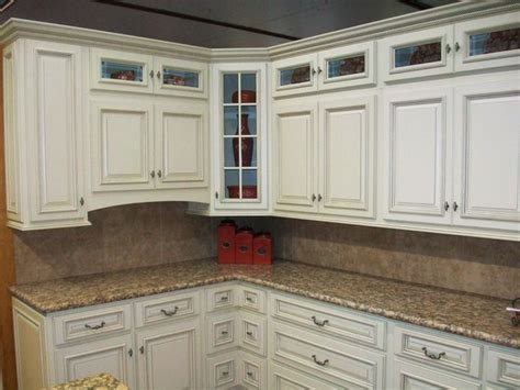 glazing painted kitchen cabinets 15 best images about kitchen cabinet paint colors on 3841