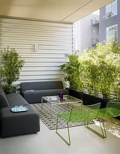 36 balkon ideen fur den sommer freshouse With balkon teppich mit moderne wandgestaltung mit tapeten