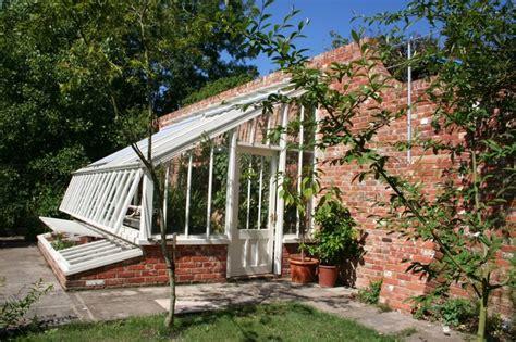 Wohnhaus Im Gewächshaus by Anlehn Gew 228 Chshaus Mit Fr 252 Hbeeten Klassisch
