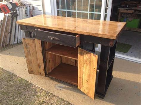 kitchen island made from pallets pallet and lumber kitchen island pallet furniture diy 8198