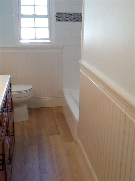 Beadboard And Tile Bathroom by Ceramic Tile That Looks Like Wood Bathroom Contemporary