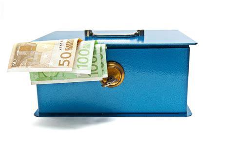 cl 244 turer une assurance vie billet de banque