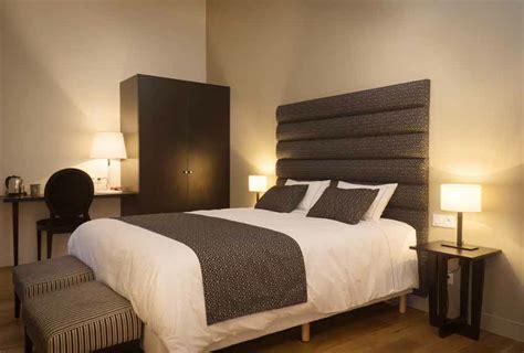 description d une chambre d hotel tete de lit hotel