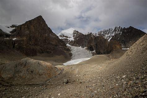 tetons  summit southeast asias  highest peak