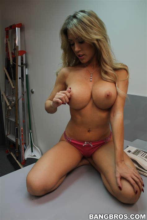 Blonde Chick Needs A Rough Sex Adventure Photos Capri Cavalli MILF Fox