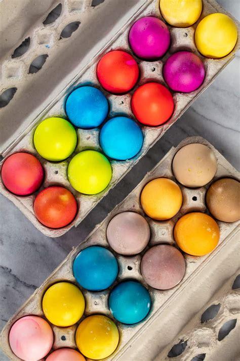 dye easter eggs  food coloring  natural colors