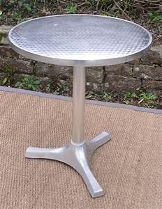 Table Bistrot Ancienne : belle et pratique table de bistrot en aluminium ~ Melissatoandfro.com Idées de Décoration