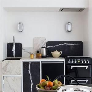 Mettre Twitter En Noir : photo petite cuisine ces 19 petites cuisines qui ont du charme c t maison ~ Medecine-chirurgie-esthetiques.com Avis de Voitures