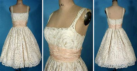 Ivory Lace Above-the-knee Vintage Dress For Your Wedding