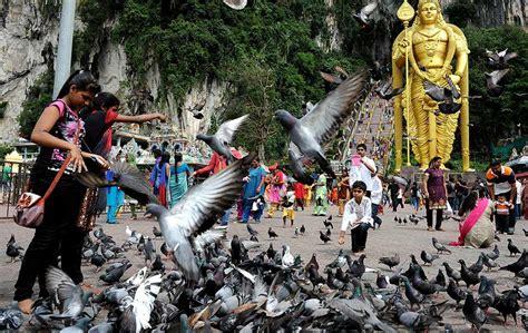 kuil  batu caves tarikan monumen keagamaan foto