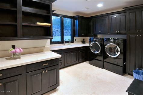 designing  laundry room