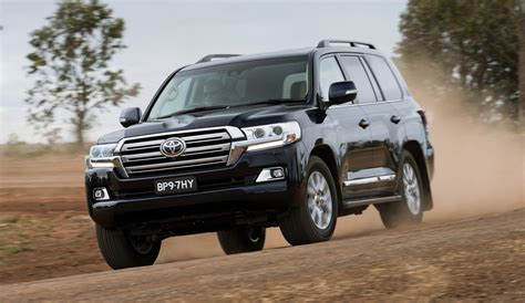 toyota landcruiser  series debuting   turbo