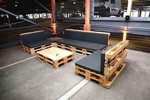 Sitzecke Aus Paletten : palettenlounge mit tisch lounge tisch aus paletten ~ Frokenaadalensverden.com Haus und Dekorationen
