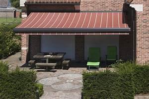 Store Banne Avec Lambrequin : comparaison entre le store harol lx 530 et le on 39 x de ~ Edinachiropracticcenter.com Idées de Décoration