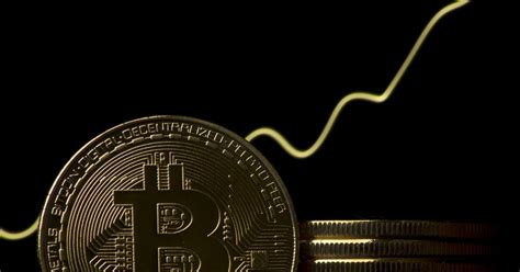 bitcoin price  hit    cryptocurrency