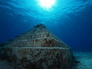 Underwater pyramid, Cozumel. | Mother Nature and her ...