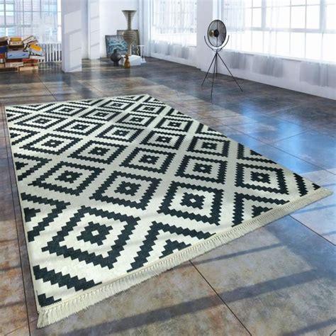 comparatif tapis losange noir  blanc avis test les