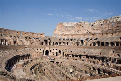 colosseum selfie    gladiators entrance rome
