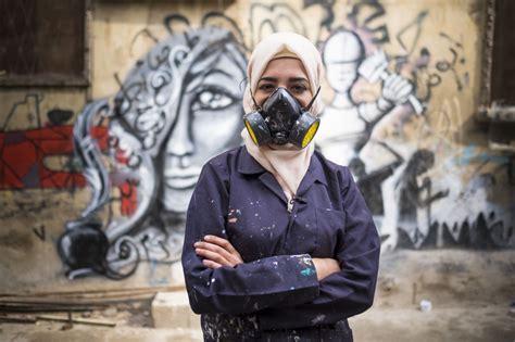 graffiti girls  bomb   guys  source