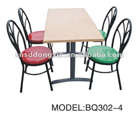 restaurant table et chaise pour quatre personnes table de cantine avec chaise 224 l 233 cole bq302 4