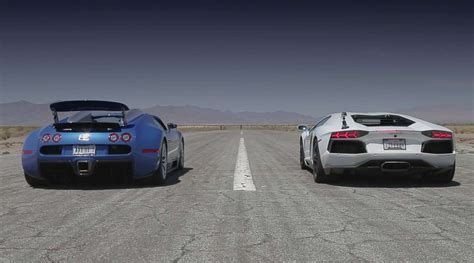 Lamborghini Veneno Vs Bugatti Veyron