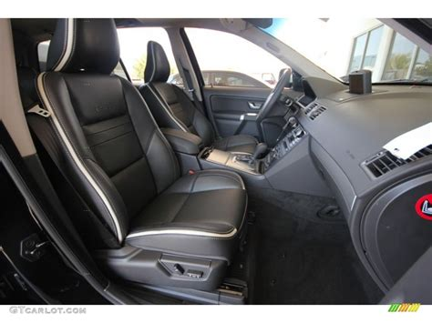 design  black interior  volvo xc   design