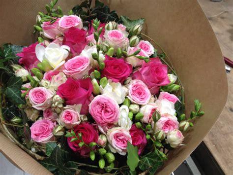 gros bouquet de gros bouquet de fleurs pivoine etc
