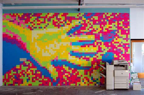 bureau post it décorez vos bureaux avec des murs de post it top office