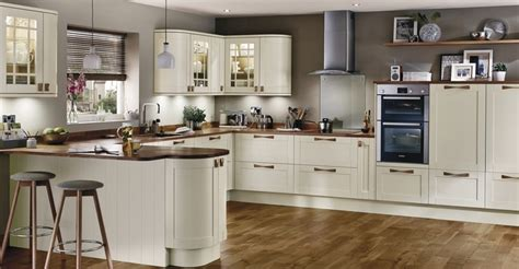 interior designs for kitchens kitchens fitted kitchens howdens joinery