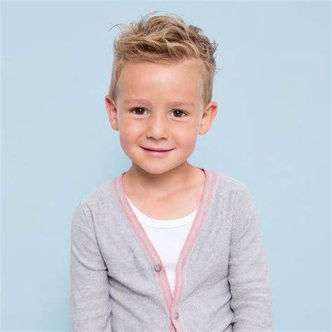 30 Tagli di capelli per bambini è difficile scegliere un