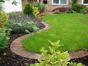Bordures de jardin 40 idees sur les designs les plus for Decoration jardin avec pierres 6 differents bordures de jardin archzine fr