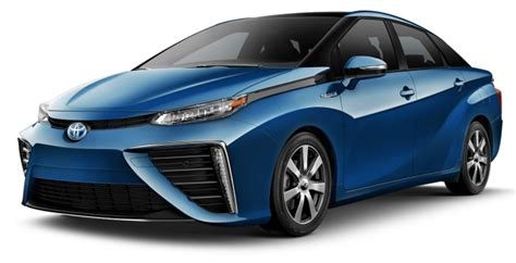 Toyota Unveils Its Fuel Cell Car