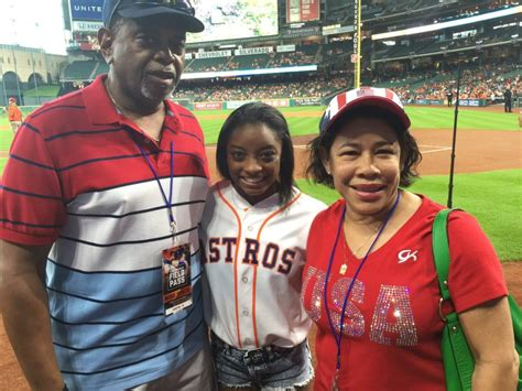 Simone Biles Parents