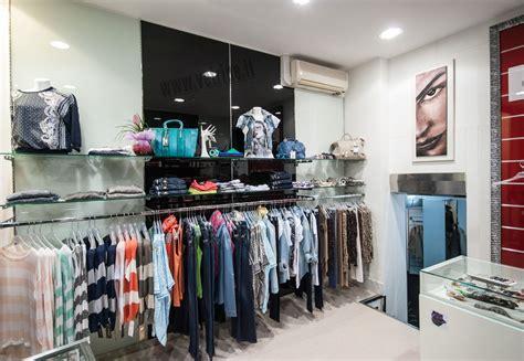 accessori arredamento negozi arredo negozio abbigliamento black abbigliamento donna