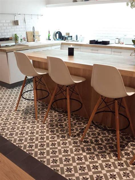 parquet flottant dans une cuisine cuisine sur parquet cuisine sur parquet with