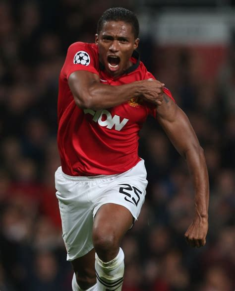Robson backs Valencia switch - Official Manchester United ...