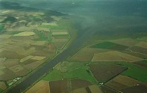 Estuary yearly precipitation. world estuary biome maps ...