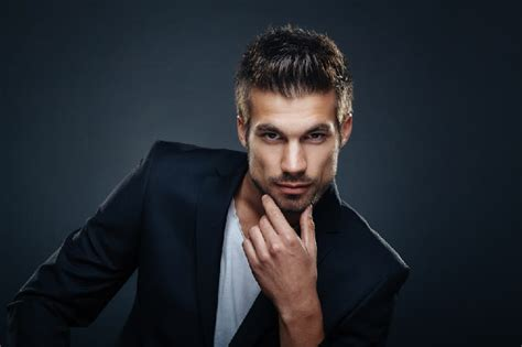 8 best hairstyles for long face men hairstylec