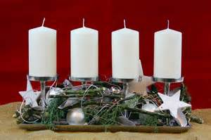 blumen balkon advent und weihnachtsgestecke